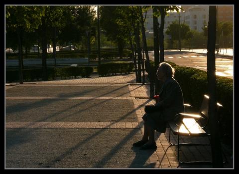 abuelas-esperando