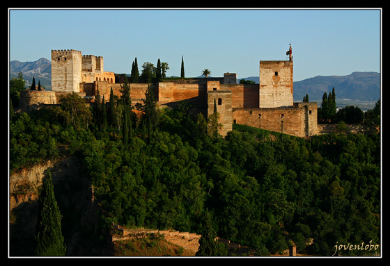 http://jovenlobo.files.wordpress.com/2009/06/alcazaba-alhambra-granada.jpg