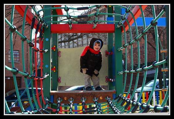 Niños-Juegos-Columpios