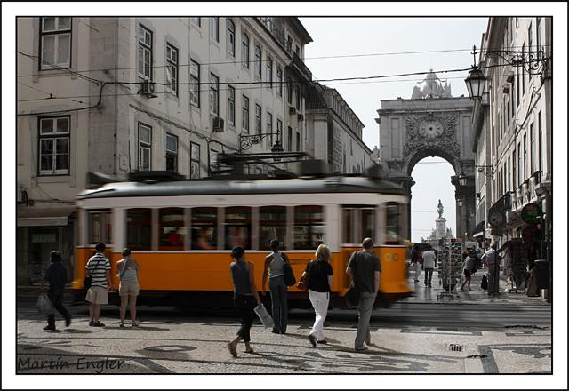 Tranvía-Lisboa-Arco-Triunfa