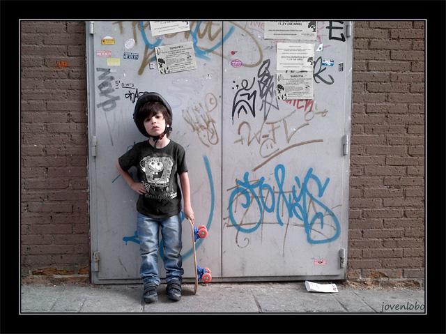 Retrato-Niño-urbano-patin-skate