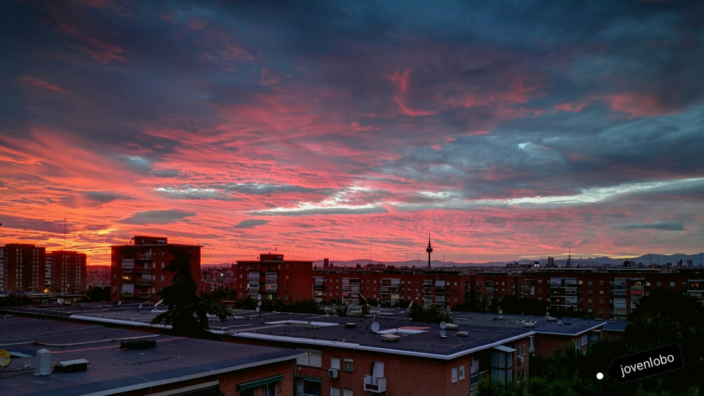 Atardecer-cielo-Madrid